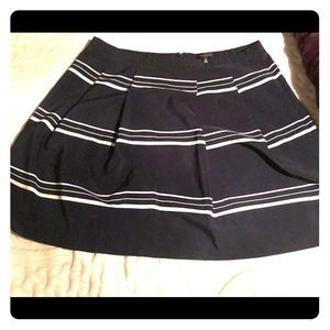 Above the knee skirt Express size 14